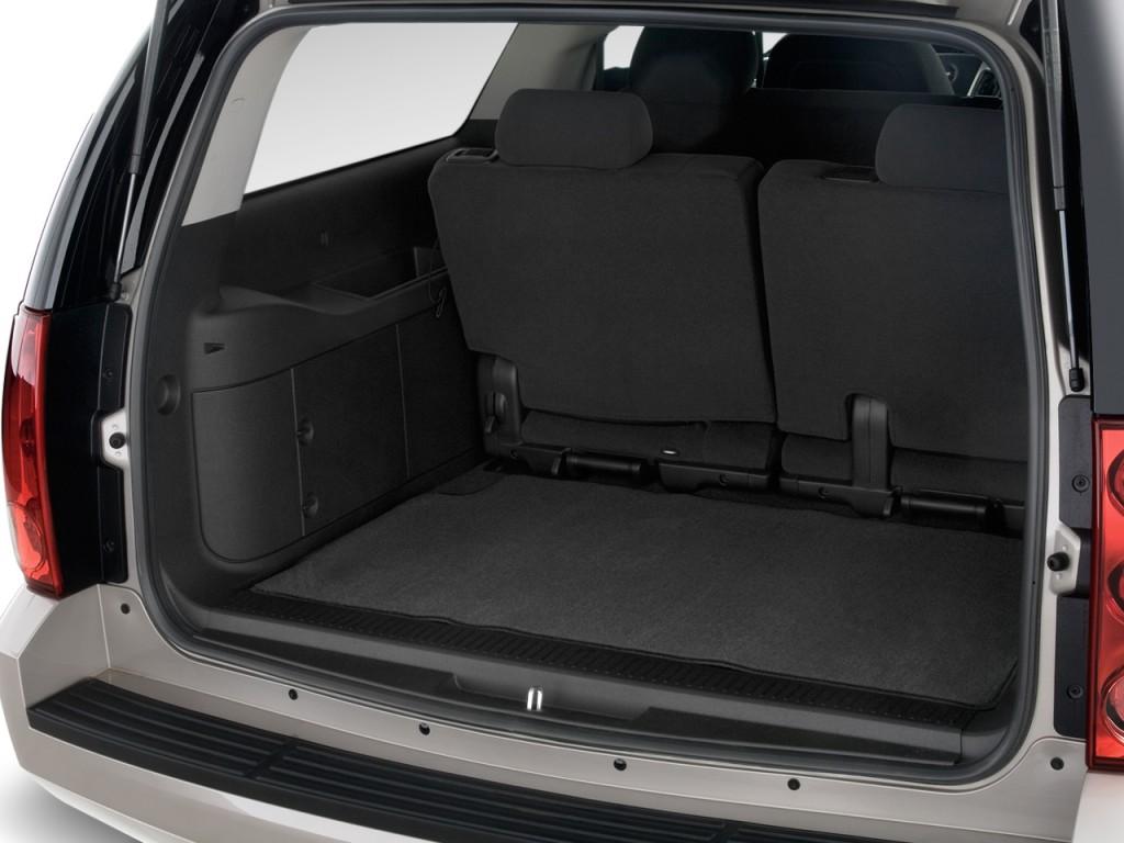 image 2014 gmc yukon xl 2wd 4 door 1500 slt trunk size. Black Bedroom Furniture Sets. Home Design Ideas