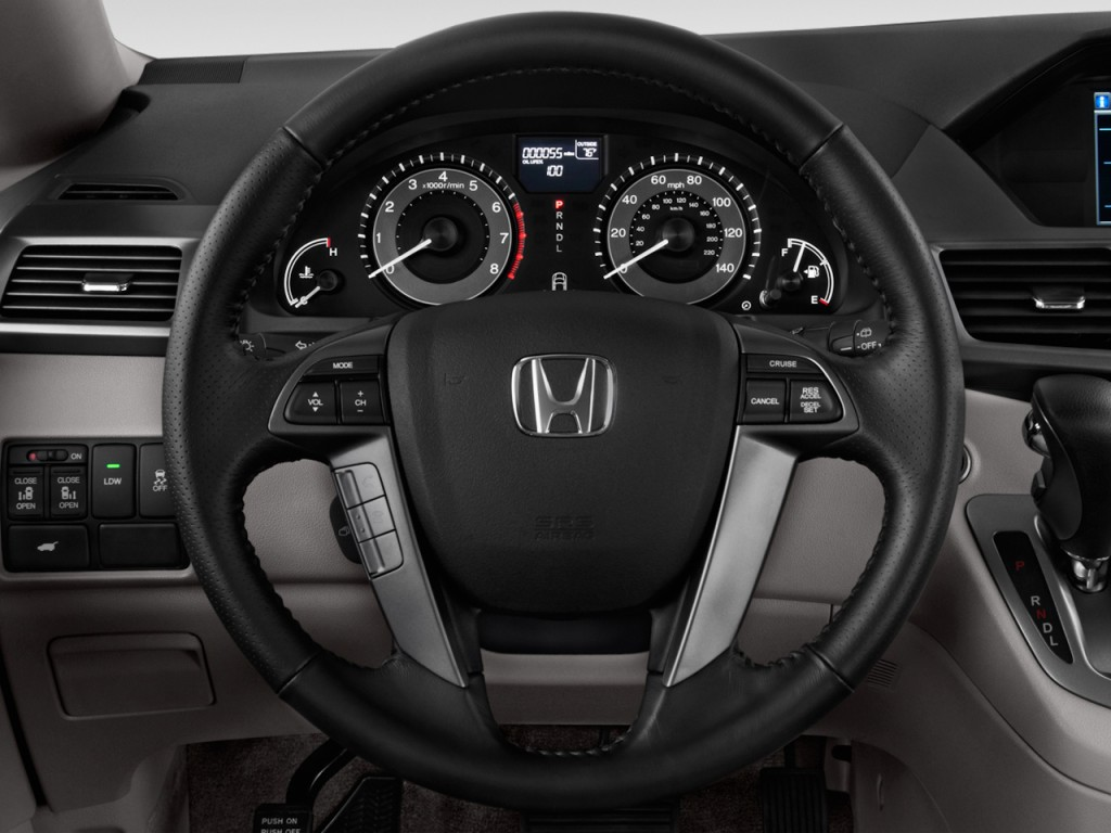 image 2014 honda odyssey 5dr ex l steering wheel size. Black Bedroom Furniture Sets. Home Design Ideas