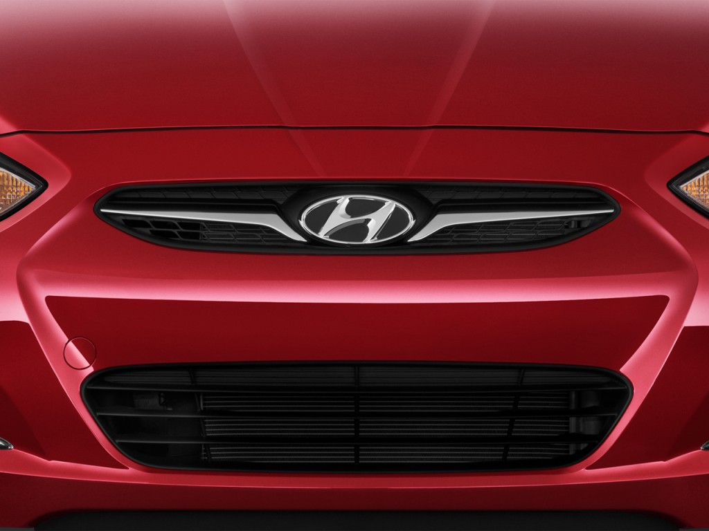 Image 2014 Hyundai Accent 4 Door Sedan Auto Gls Grille