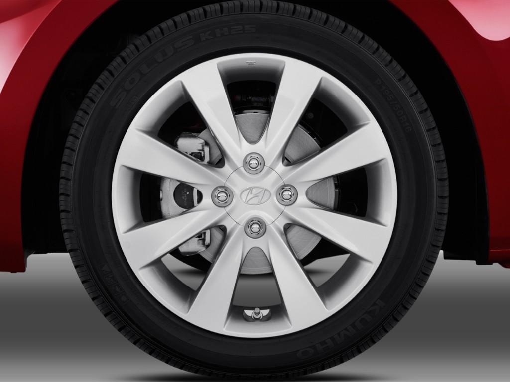 Image 2014 Hyundai Accent 4 Door Sedan Auto Gls Wheel Cap