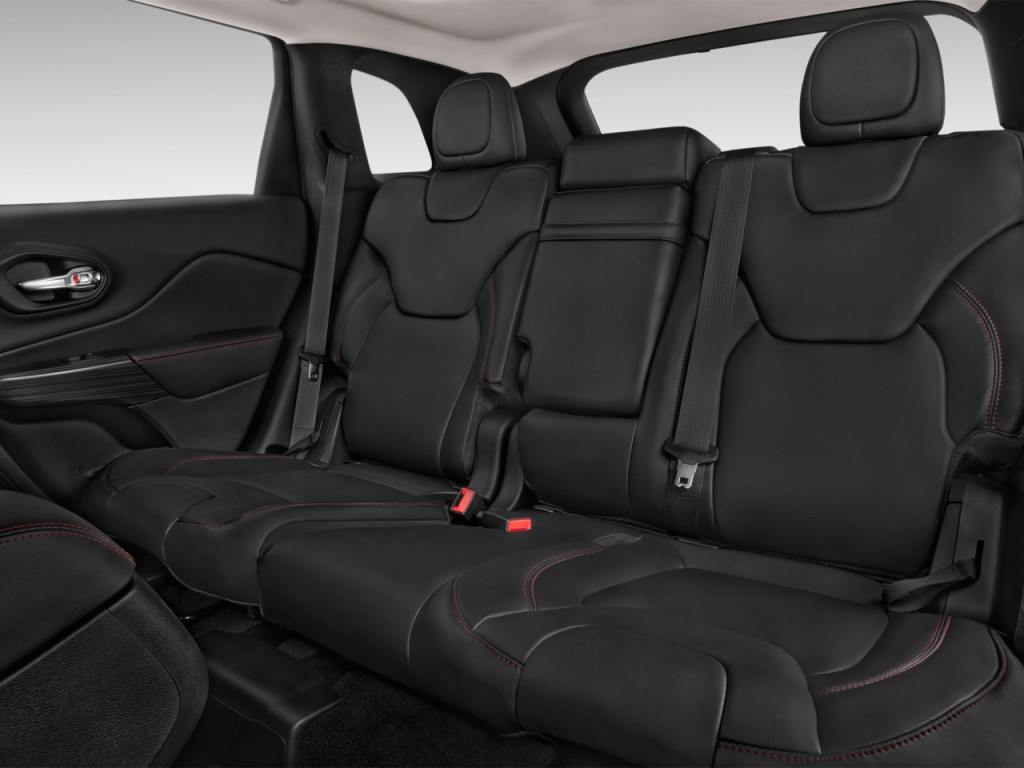 Image 2014 Jeep Cherokee 4wd 4 Door Trailhawk Rear Seats