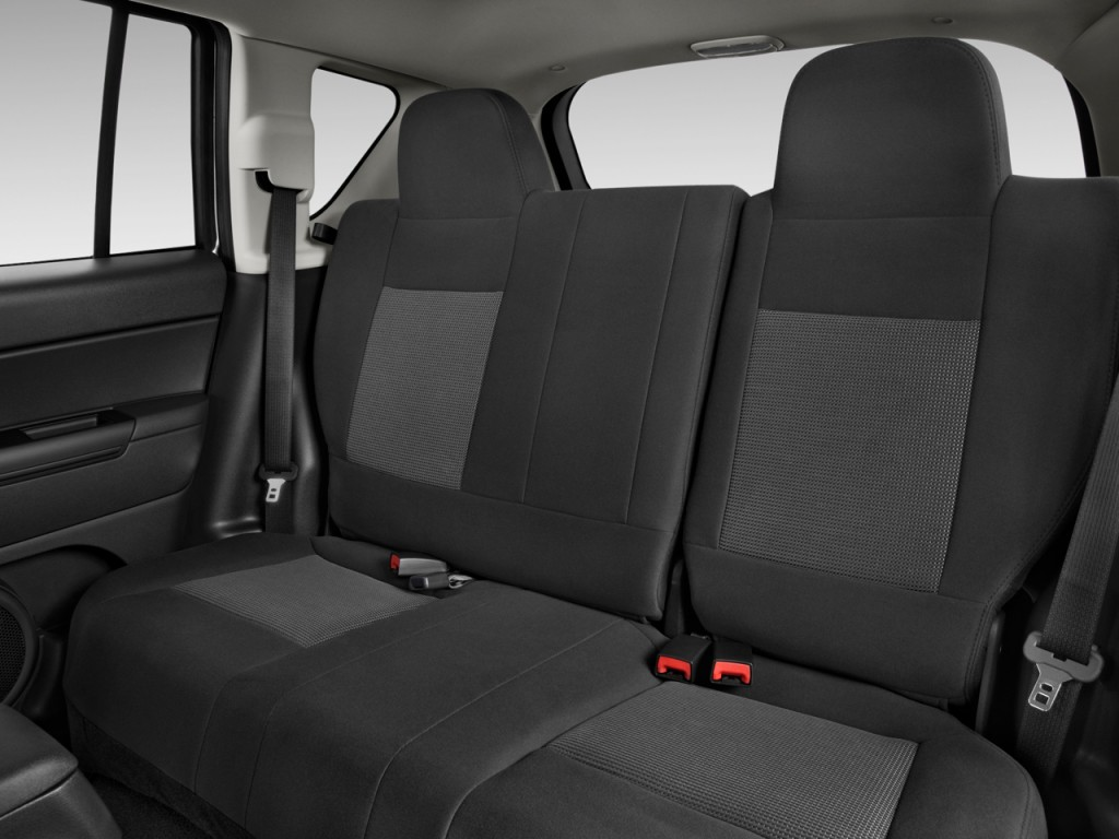 image 2014 jeep compass fwd 4 door sport rear seats size. Black Bedroom Furniture Sets. Home Design Ideas