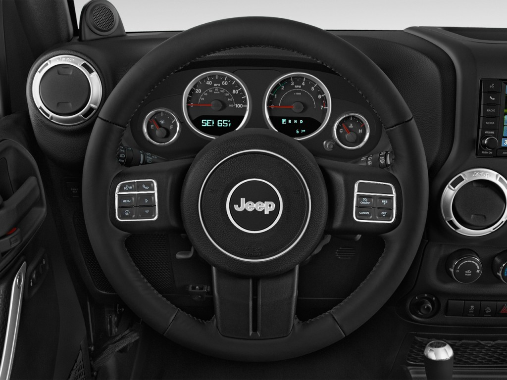 Image: 2014 Jeep Wrangler 4WD 2-door Rubicon Steering ...