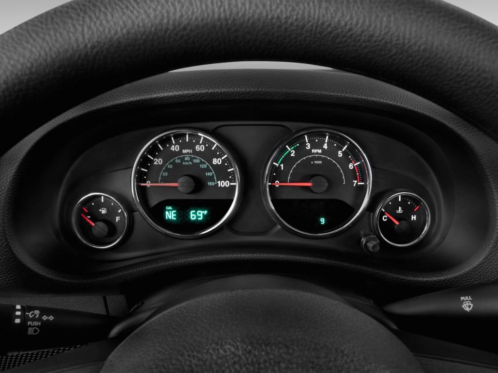 Image 2014 Jeep Wrangler 4wd 2 Door Sport Instrument