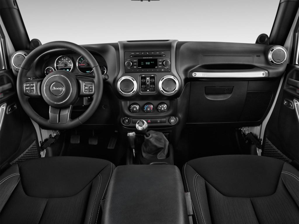 Image 2014 jeep wrangler unlimited 4wd 4 door rubicon - Jeep wrangler unlimited interior lights ...