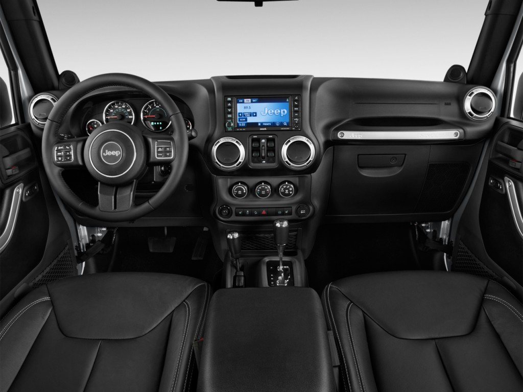 Image 2014 jeep wrangler unlimited 4wd 4 door sahara for All blacks interiors