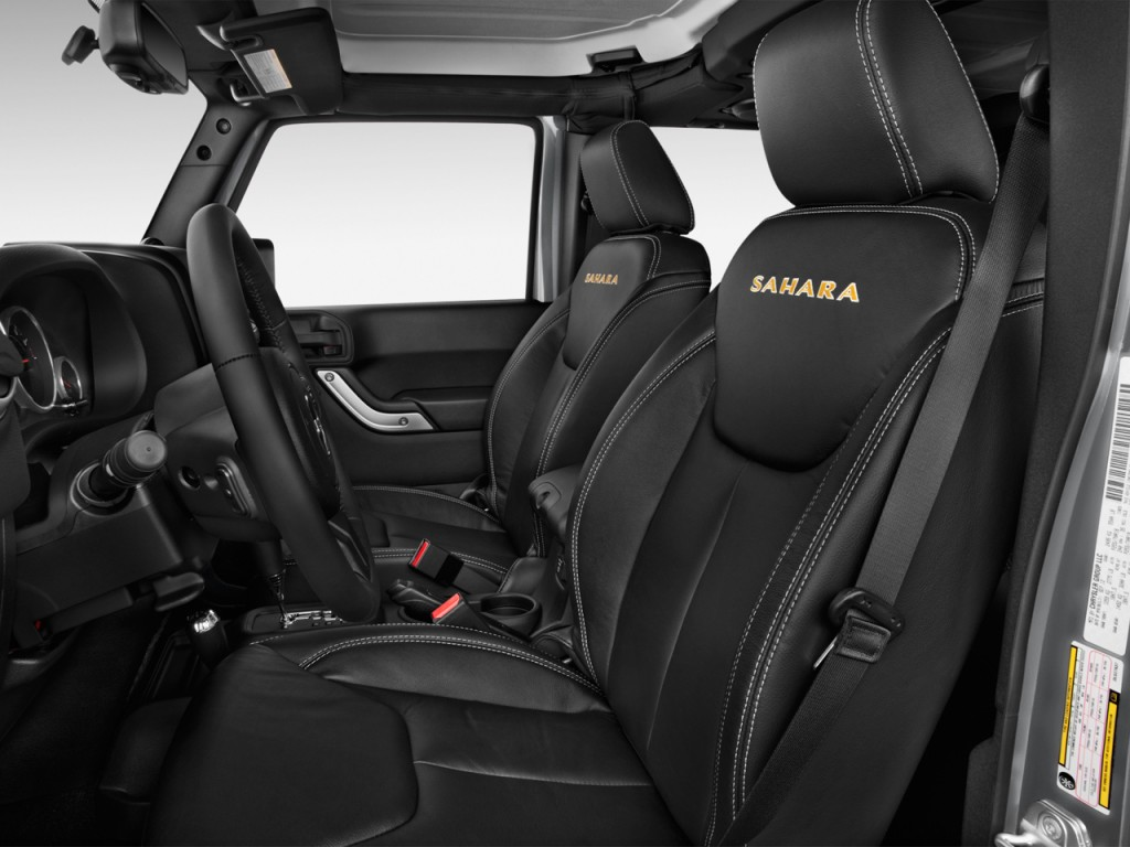 image 2014 jeep wrangler unlimited 4wd 4 door sahara front seats size 1024 x 768 type gif. Black Bedroom Furniture Sets. Home Design Ideas