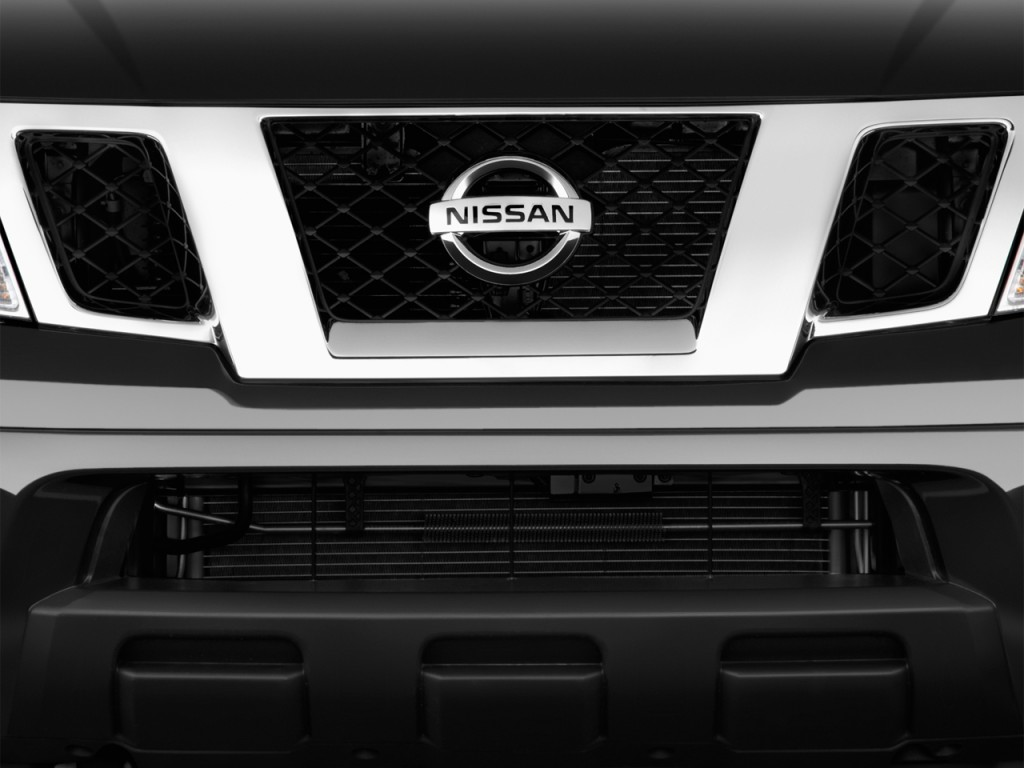 Image: 2014 Nissan Frontier 4WD Crew Cab SWB Auto SV ...