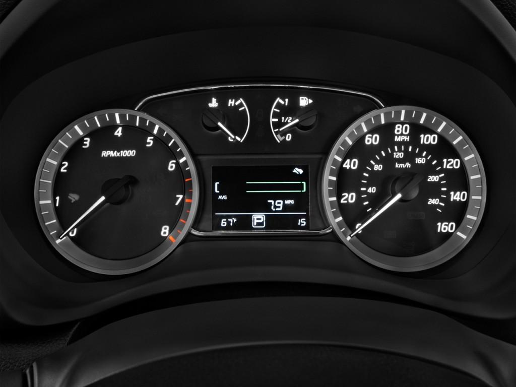 Image: 2014 Nissan Sentra 4-door Sedan I4 CVT SR ...