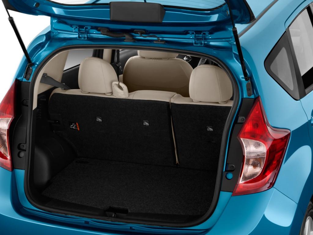 Image 2014 Nissan Versa Note 5dr Hb Cvt 1 6 S Plus Trunk
