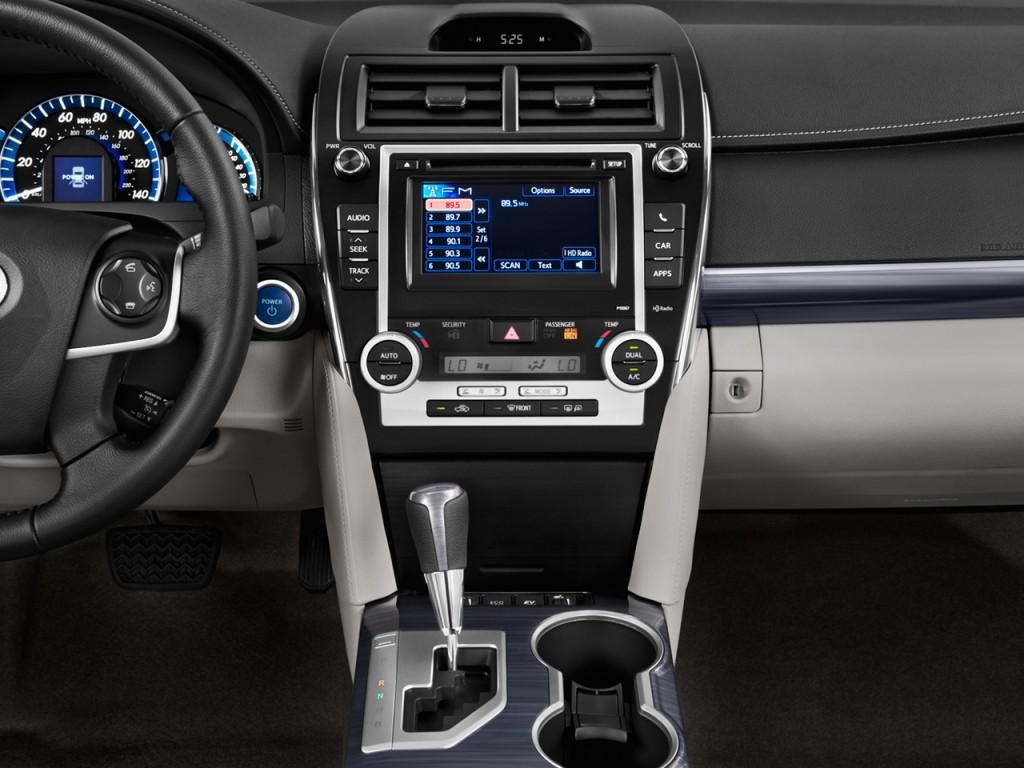 Image 2014 Toyota Camry Hybrid 4 Door Sedan Xle Natl