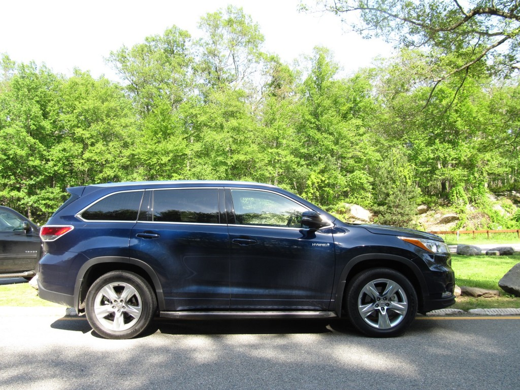 2014 Toyota Highlander Hybrid, Palisades Interstate Park, New York, June 2014