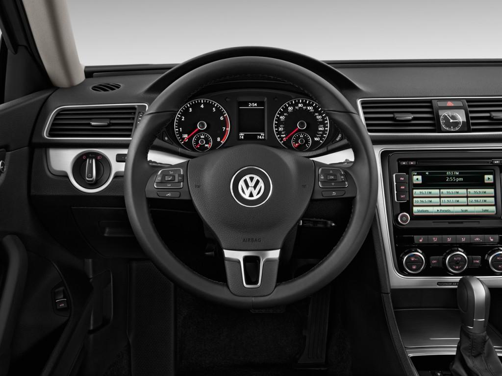 image 2014 volkswagen passat 4 door sedan 2 5l auto se. Black Bedroom Furniture Sets. Home Design Ideas