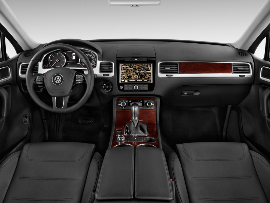 image  volkswagen touareg  door tdi lux dashboard size    type gif posted