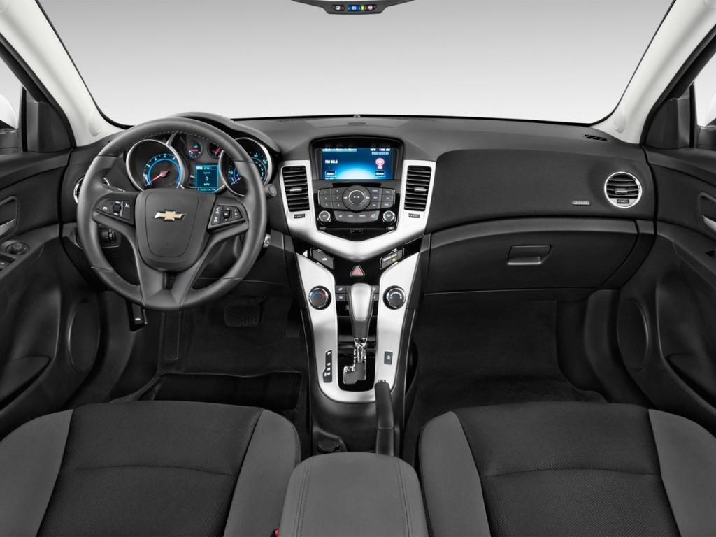 Image: 2015 Chevrolet Cruze 4-door Sedan Auto 1LT ...