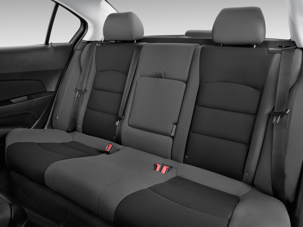 image 2015 chevrolet cruze 4 door sedan auto 1lt rear seats size 1024 x 768 type gif. Black Bedroom Furniture Sets. Home Design Ideas