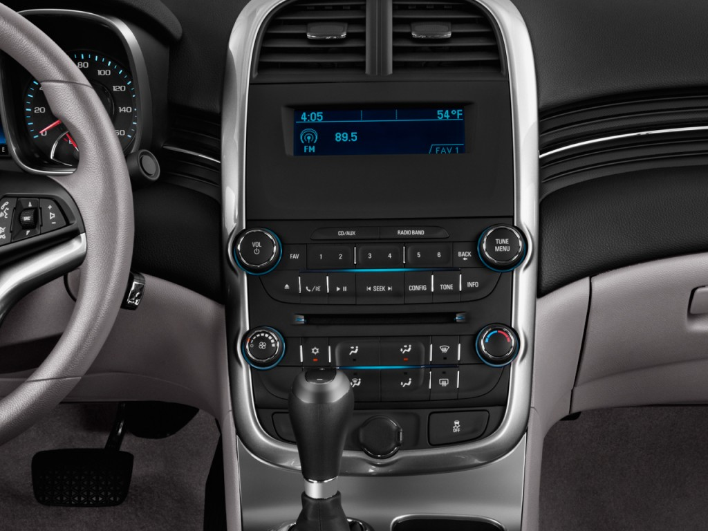 Image: 2015 Chevrolet Malibu 4-door Sedan LS w/1LS ...