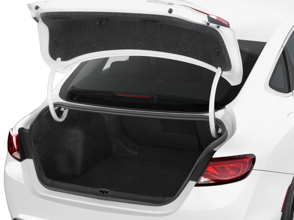 Image 2015 Chrysler 200 4 Door Sedan Limited Fwd Trunk