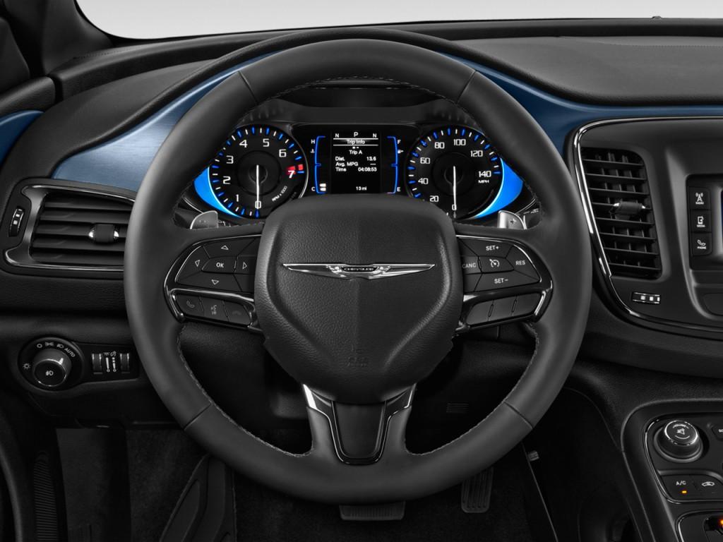 image 2015 chrysler 200 4 door sedan s fwd steering wheel. Black Bedroom Furniture Sets. Home Design Ideas