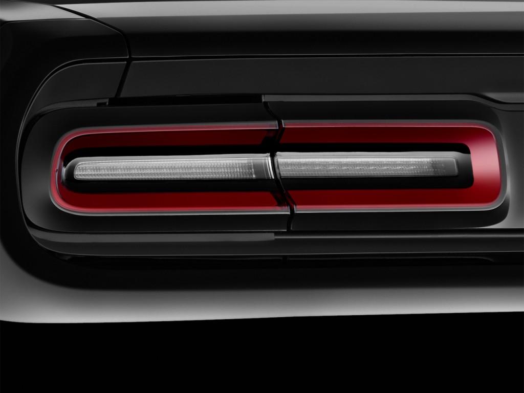 Image 2015 Dodge Challenger 2 Door Coupe Sxt Tail Light