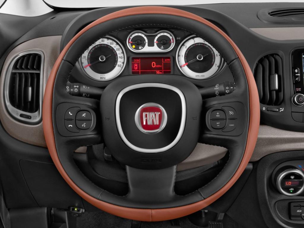 Image: 2015 FIAT 500L 5dr HB Trekking Steering Wheel, size ...