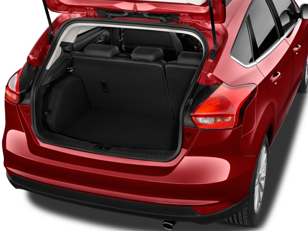 image 2015 ford focus 5dr hb titanium trunk size 1024 x 768 type gif posted on october 7. Black Bedroom Furniture Sets. Home Design Ideas
