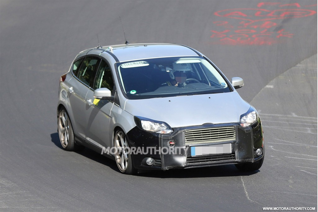 2015 Ford Focus ST facelift spy shots