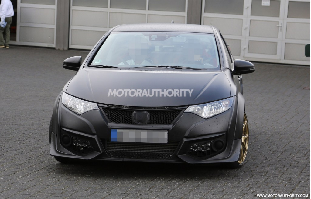 2015 Honda Civic Type R spy shots - Image via S. Baldauf/SB-Medien