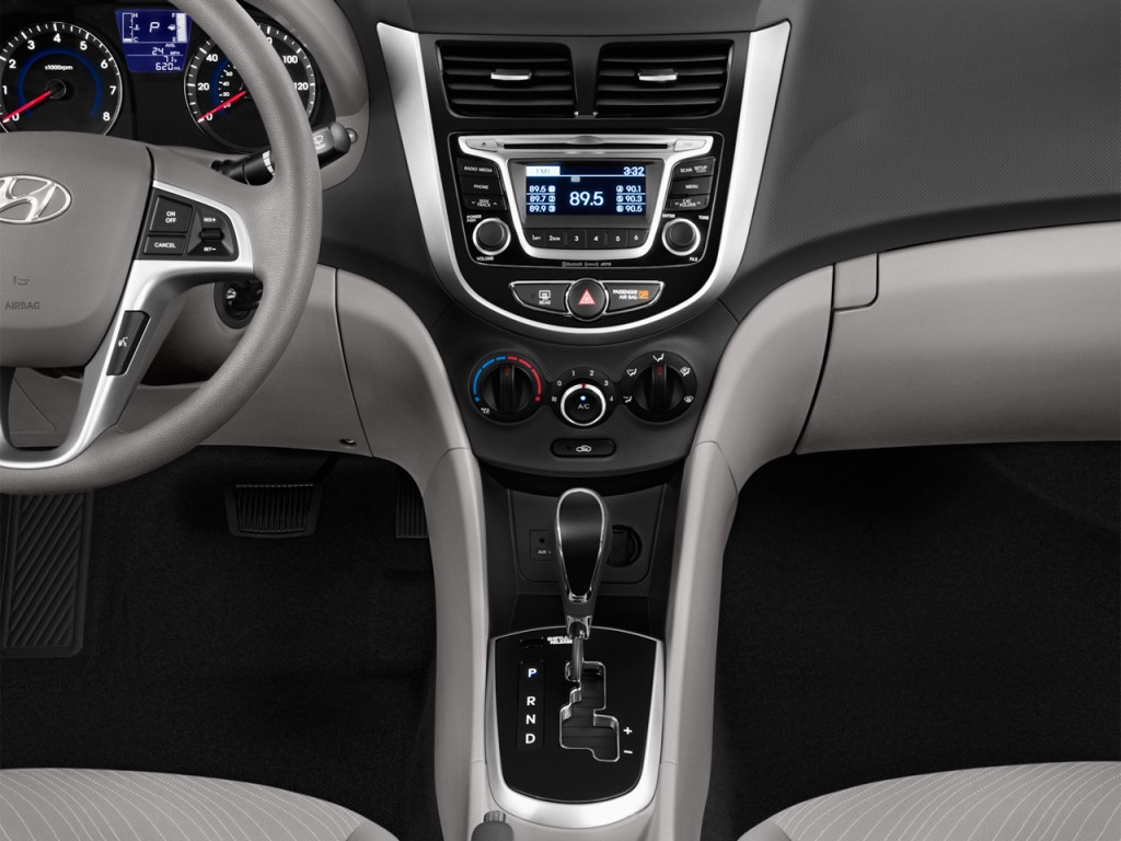 Image 2015 Hyundai Accent 4 Door Sedan Auto Gls