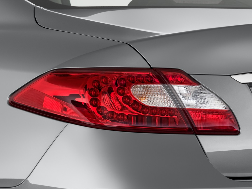 Image: 2015 Infiniti Q70 4-door Sedan V6 RWD Tail Light ...