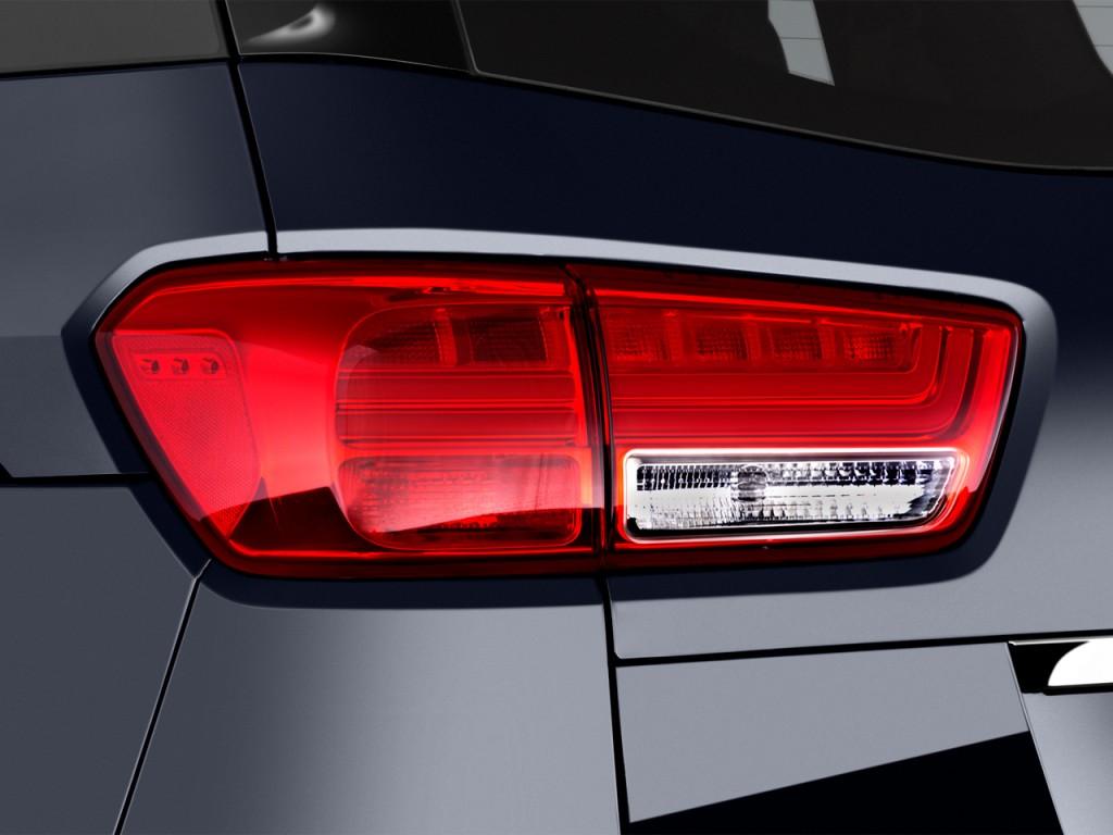 Image: 2015 Kia Sedona 4-door Wagon SX-L Tail Light, size ...