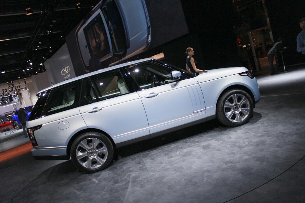 https://images.hgmsites.net/lrg/2015-land-rover-range-rover-hybrid-2013-frankfurt-auto-show_100439731_l.jpg