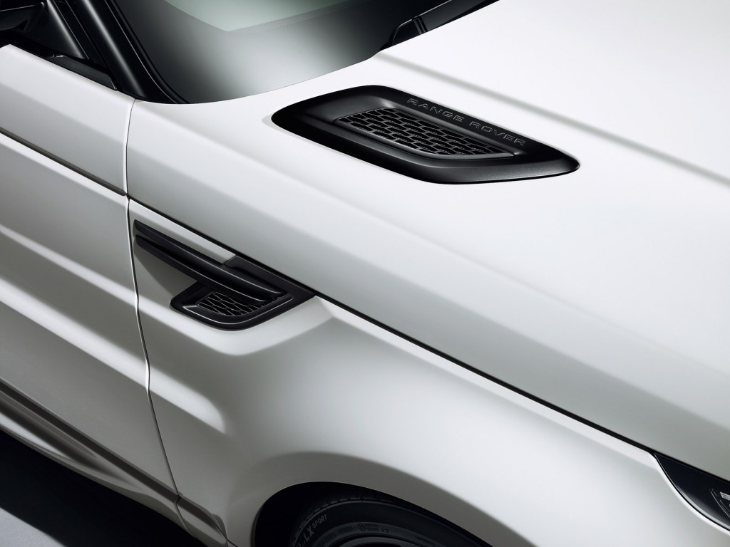 2015 Land Rover Range Rover Sport equipped with Stealth Pack