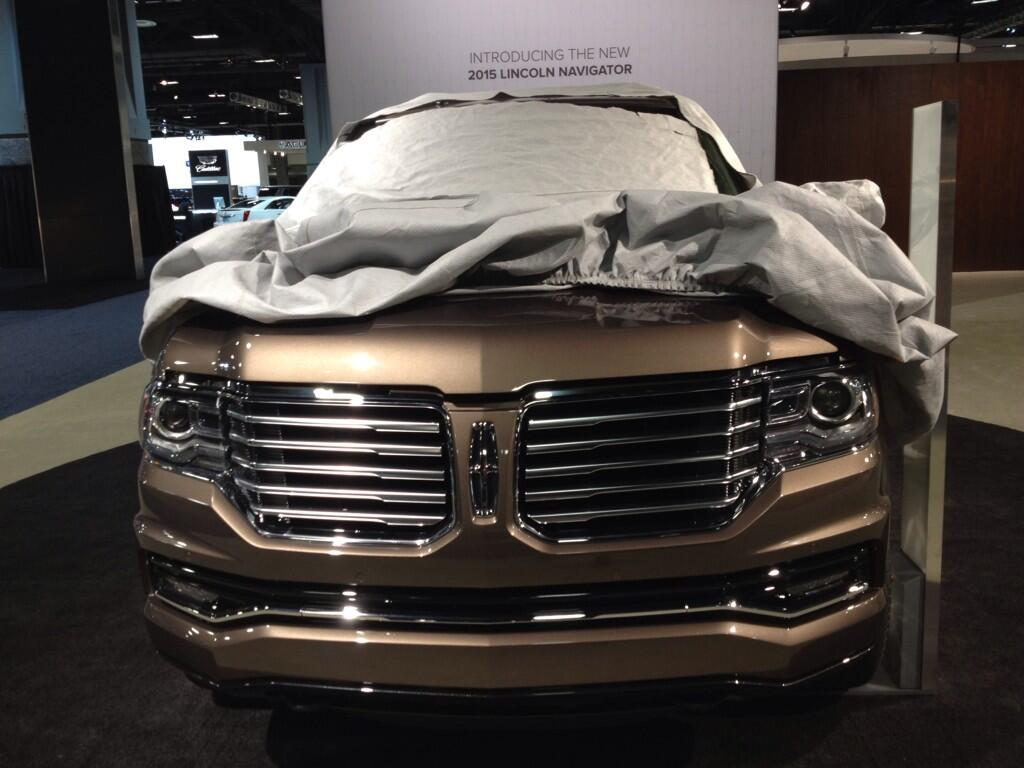 2015 Lincoln Navigator Teased Ahead Of Tomorrowu0027s Debut (And Leaked A Bit  On Twitter)