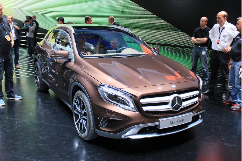 2015 Mercedes GLA, Gas Mileage A Top Priority, Fan Sues Ferrari ...