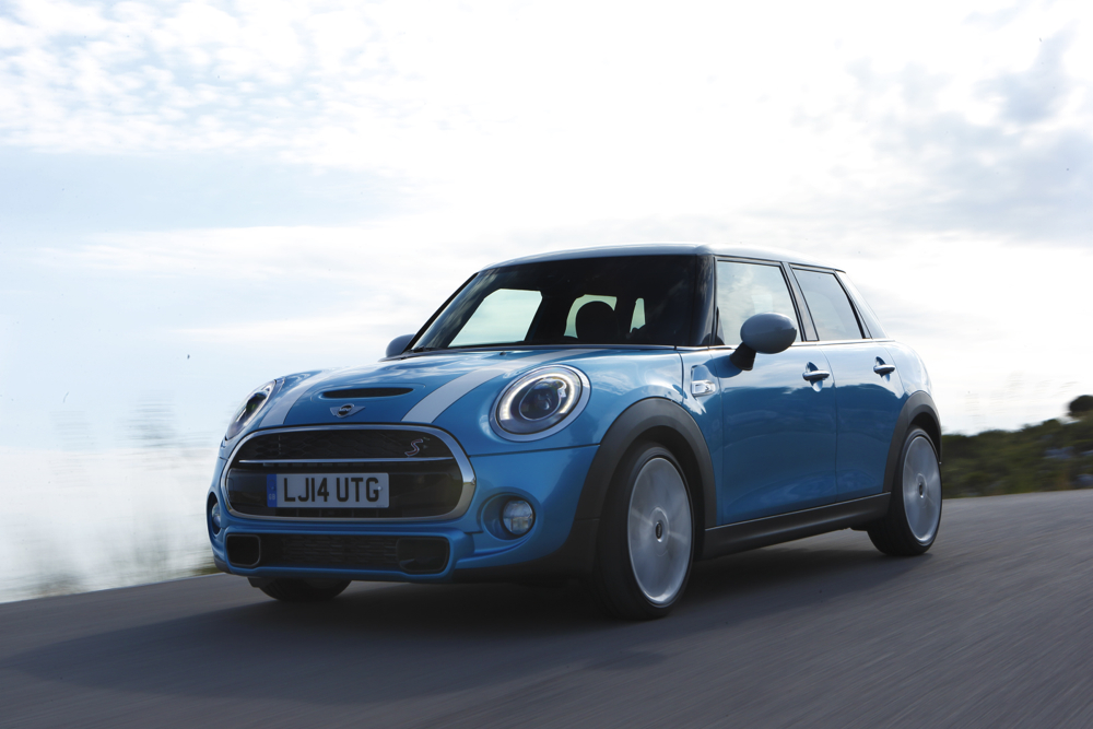 Mini 5 Door Renamed A Hardtop 4 Door For Us Gets 22550 Price Tag