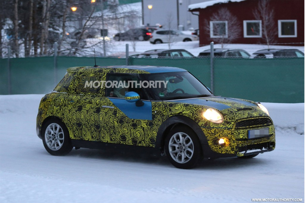 2015 MINI Cooper S five-door spy shots