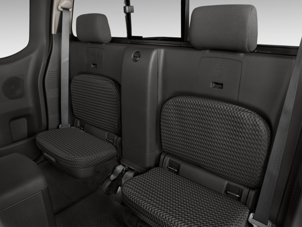 Nissan Frontier Wd King Cab I Auto Sv Rear Seats L