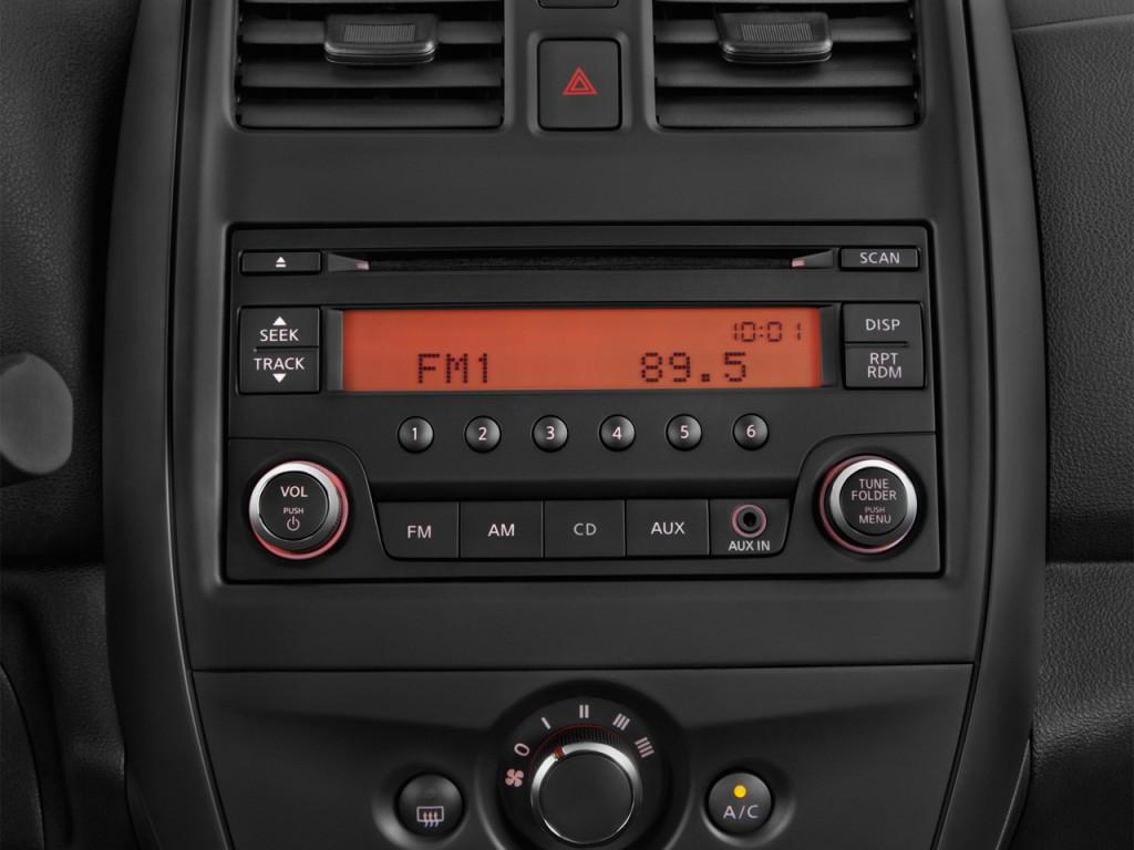image 2015 nissan versa 4 door sedan cvt 1 6 sv audio. Black Bedroom Furniture Sets. Home Design Ideas