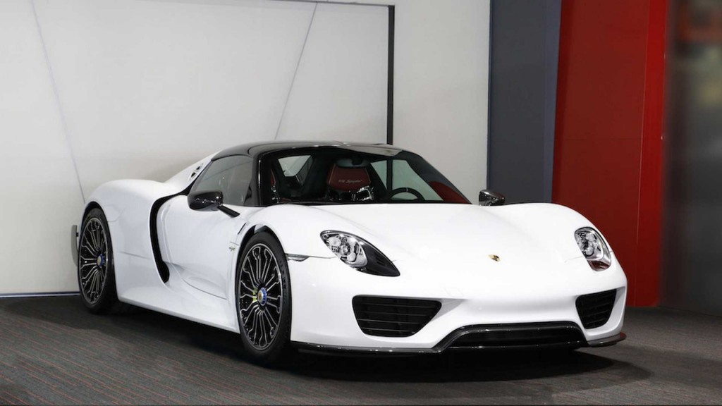 image brand new porsche 918 spyder for sale with weissach. Black Bedroom Furniture Sets. Home Design Ideas