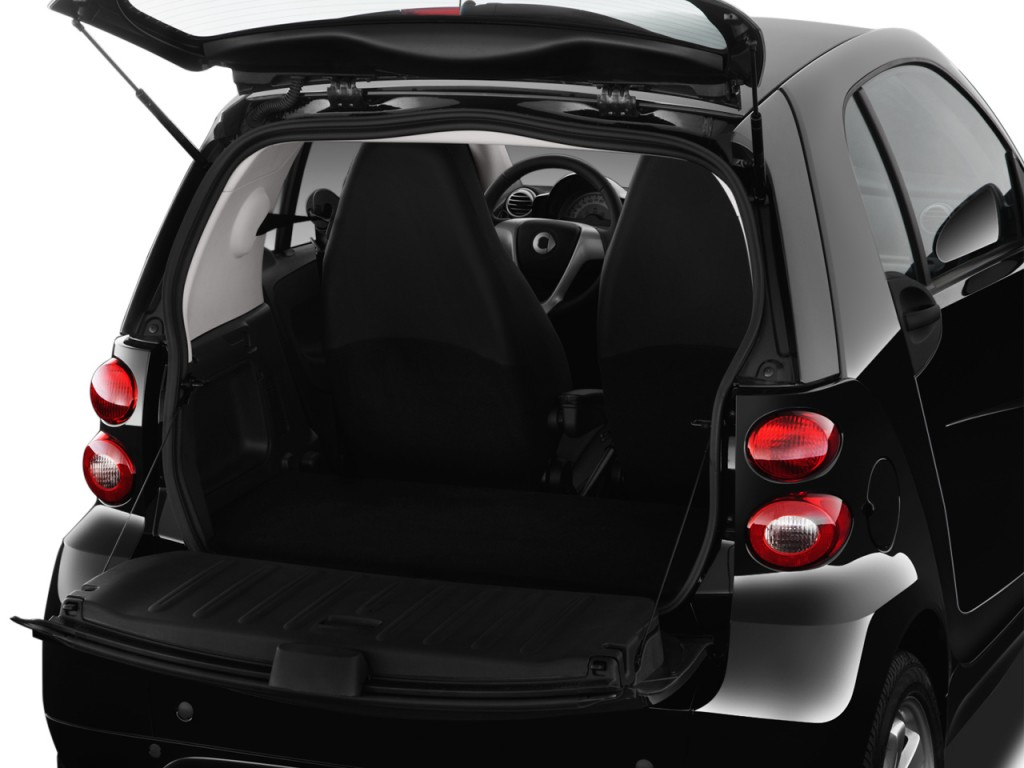 Image: 2015 Smart fortwo 2-door Coupe Passion Trunk, size ...