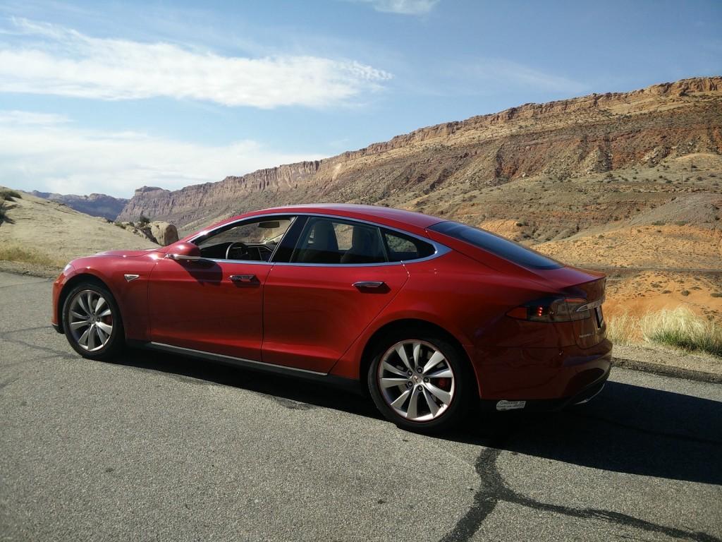 2015 Tesla Model S P85D, May 2015   [photo: George Parrott]