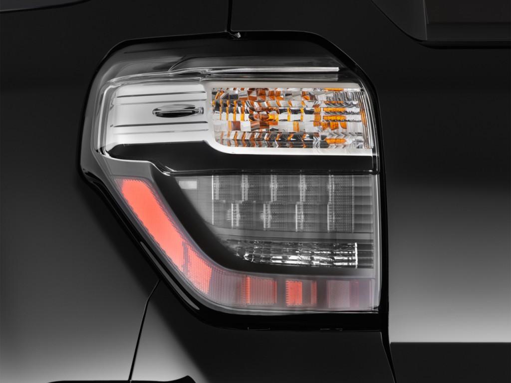 Image: 2015 Toyota 4Runner RWD 4-door V6 Limited (Natl ...