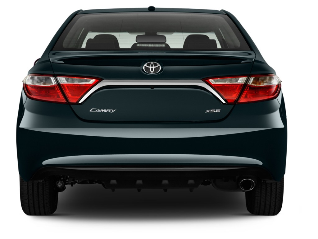 Image 2015 toyota camry 4 door sedan i4 auto se natl for Rear exterior door
