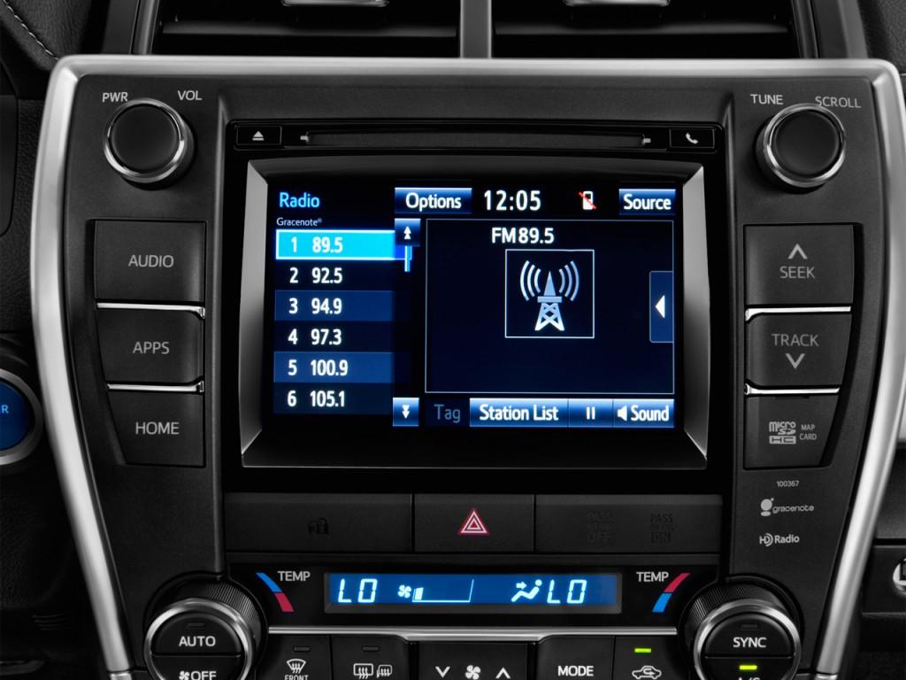 Image: 2015 Toyota Camry Hybrid 4-door Sedan SE (Natl ...