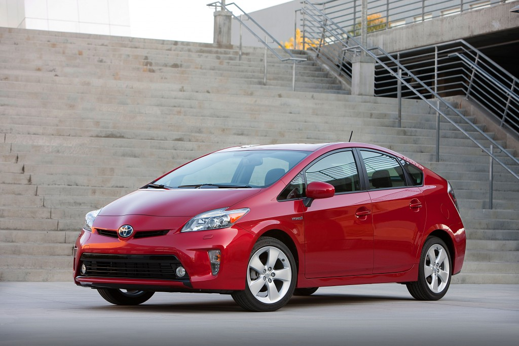 Toyota expands recall for Prius hybrid system failures