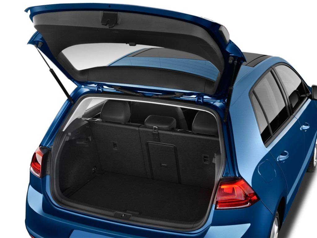 image  volkswagen golf  door hb auto tsi sel trunk size    type gif posted