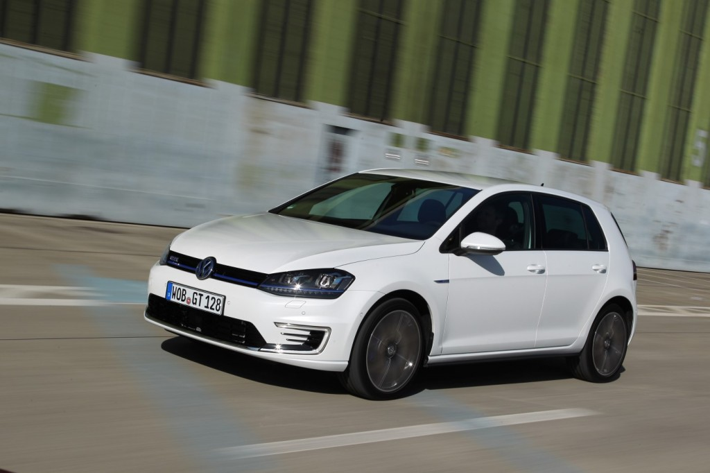 volkswagen golf gte plug-in hybrid: first drive of prototype