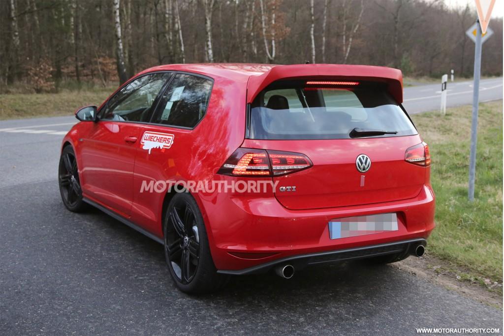 2015 Volkswagen Golf GTI 'Club Sport' spy shots