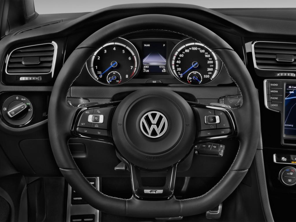 Image: 2015 Volkswagen Golf R 4-door HB Steering Wheel ...